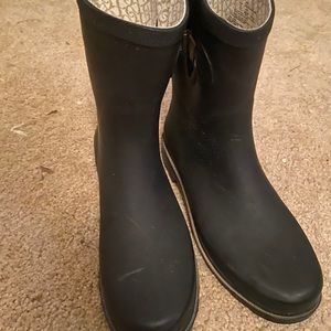 Size 9 Chooka black rain boots